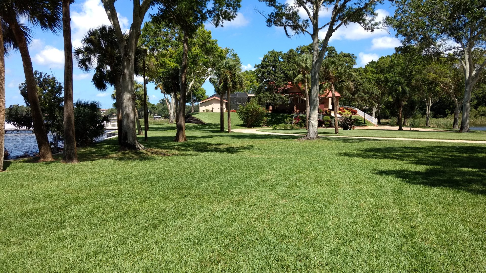 lawn care and groundskeeping services land graphics inc